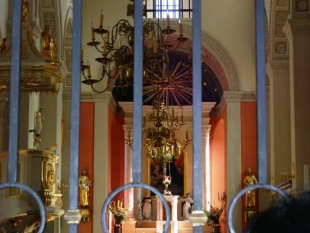 洗礼を受けた教会の内部.jpg