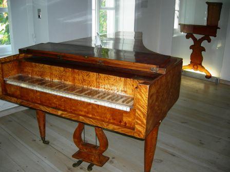 生家のピアノ.jpg